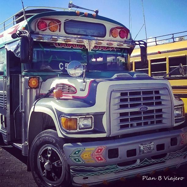 Autobús local o el llamado