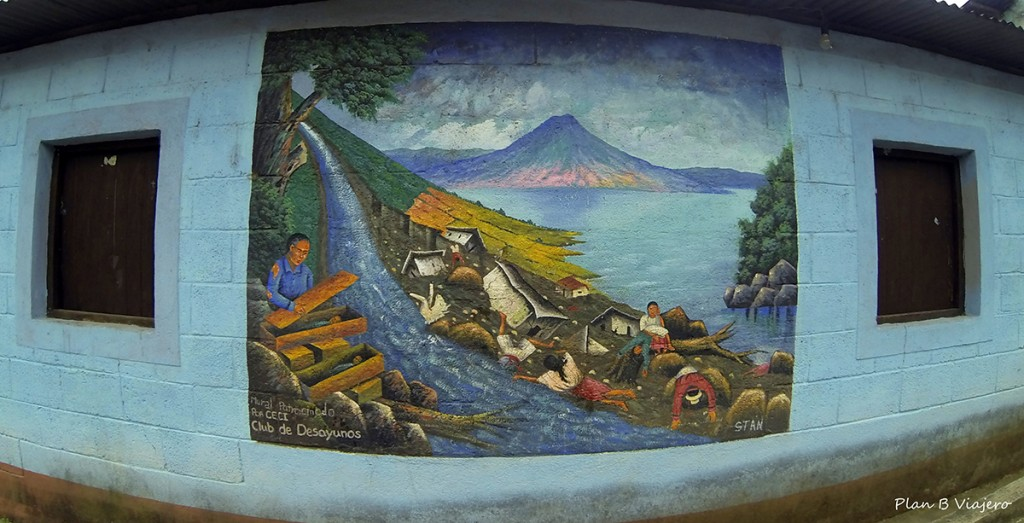 plan b viajero, lago atitlan san juan la laguna murales