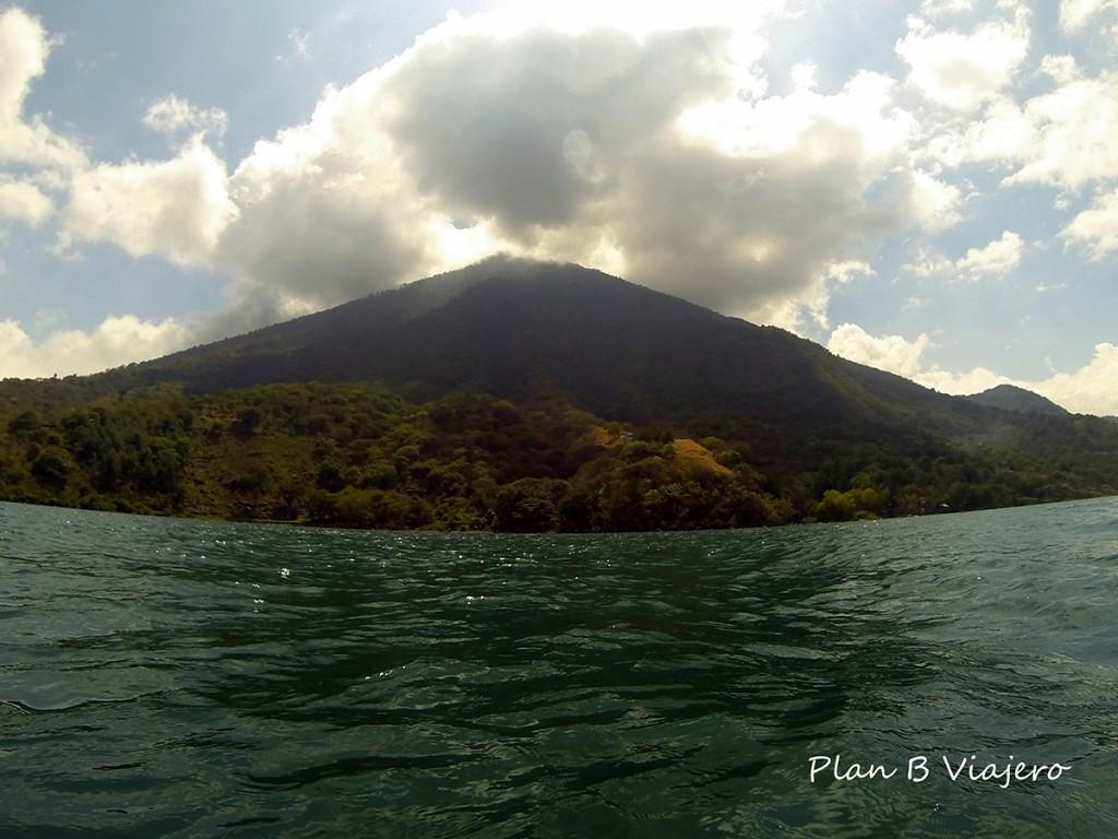 plan b viajero, lago atitlan volcan san pedro