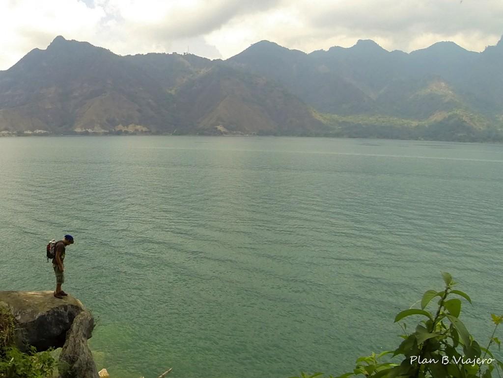plan b viajero, lago atitlan san pedro, rostro del indio, rostro maya