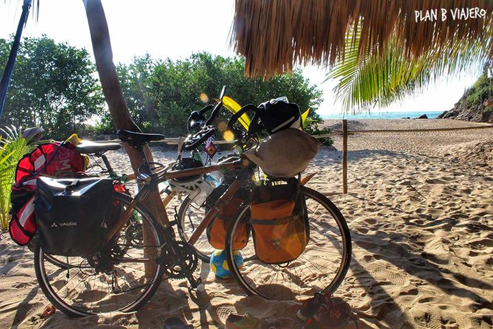plan b viajero, las mejores playas de Oaxaca, mazunte, bicis de bambu, guía para viajar en bici por Oaxaca